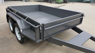 8x5 Tandem Trailer with Full Checker Plate & Hydraulic Brakes