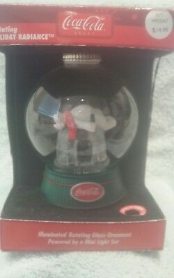 Coca- Cola Igloo Bear Illuminated Holiday Radiance Rotating Globe