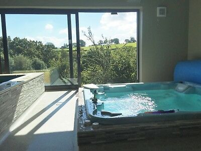 Midweek Break 10-14th June, in County Durham, with Pool and Hot-tub - sleeps 2