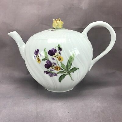 CUTE! Meissen Old Form Teapot Floral Pattern with Basket Weave Rim 1850s