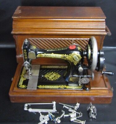 Singer Model 28K Hand Crank Sewing Machine With Coffin Case -F2027587 Dated 1912