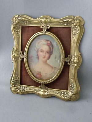 ANTIQUE VTG REPOUSSE BRASS & CONVEX GLASS PICTURE FRAME w FRENCH LADY ART PRINT