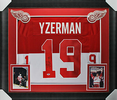 Red Wings Steve Yzerman Authentic Signed & Framed Vintage Style Red Jersey PSA