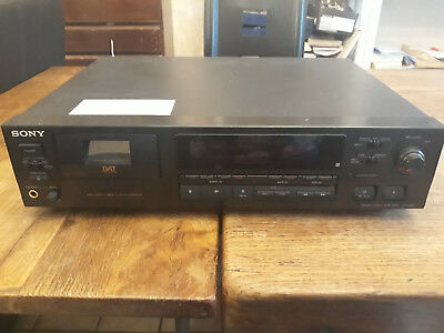 Sony DAT-recorder DTC-690 (no remote)