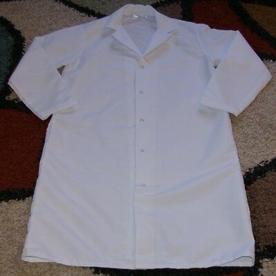 "Best Medical Unisex L/S Lab Coat Snaps Side Vents 43"" Length White Sizes Small"