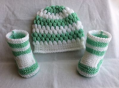 Hand knitted /baby boy booties crochet hat 0-3 months