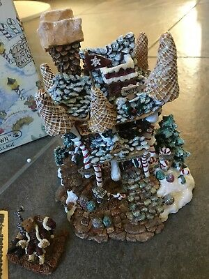 Boyd's Bears Kringles Retreat - Bearly Built Villages - Christmas Collectible