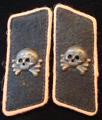 REPRODUCTION Pair of German World War II Army Panzer EM Wrapper Collar Tabs