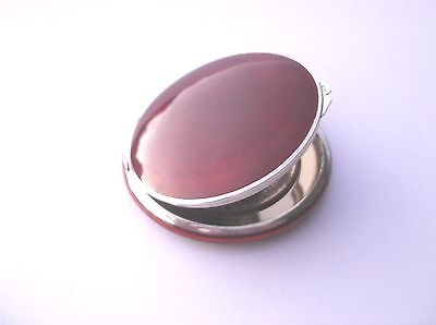 VINTAGE STERLING SILVER CHERRY RED GUILLOCHE COMPACT STERLING GILT Stamped 935