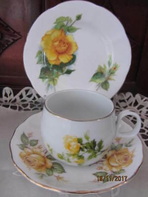 Mixed Vintage - ''yellow Roses''  - Cup / Saucer / Plate Trio