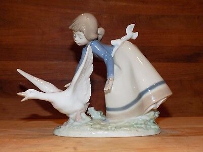 """LLADRO """"Wild Goose Chase"""" ITEM 5553 Issued 1989 Retired 1998 MINT"""