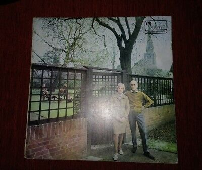 FAIRPORT CONVENTION L.P. 1969.   'UNHALFBRICKING.'   2nd PRESS PINK ISLAND.   VG