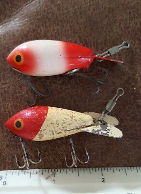 Lot of 2 Vintage Wood #200 Series Bomber Lures Texas made baits red/white colors