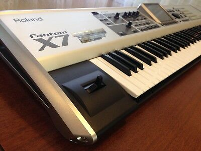 Roland Fantom X7 - 76-key Workstation Keyboard
