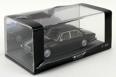 Neo 1/43 Scale Resin Model Car NEO43147 - Jaguar XJ SIII V12 - Maroon