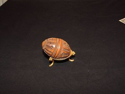 COQUILLA NUT Nutmeg Snuff SEWING THIMBLE CASE ETUI CARVED 1800s w/ Stand (h787)