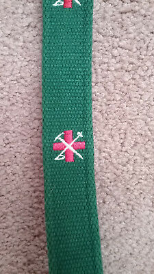 EXCELLENT LANDS END Boys Small Dark Green Canvas Belt with Red Swiss Design