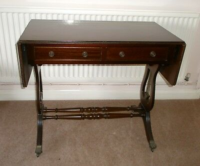 British Antiques Replica Drop Leaf Table brown polished wood in good condition