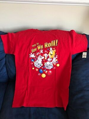 """M&M's """"This Is How We Roll"""" T-shirt - Size Adult Medium"""