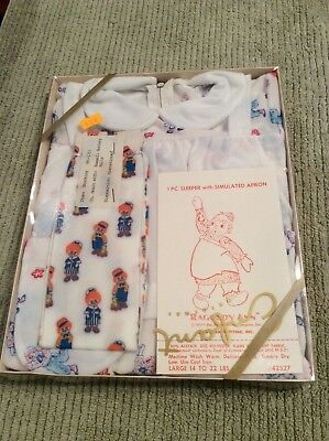 VINTAGE Raggedy Ann & Andy 1 piece Sleeper with simulated apron Bobbs Merrill