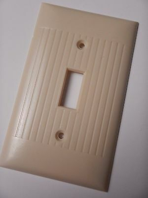 Vintage Bakelite Ivory Sierra Light Switch Plate Ribbed Cover D1 D-1 USA MADE