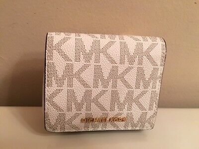 Nwt Michael Kors Jet Set Vanilla Logo Carryall Card Clutch Wallet - $88