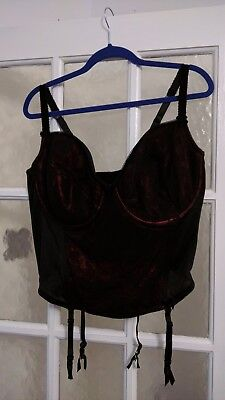 FREE P&P size 44DD black & red lacy padded underwired bra basque & suspenders