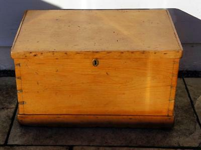 Late  Victorian  pine blanket box/chest, rustic, solid, refurbished