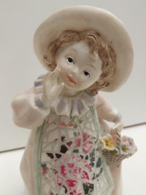 MOSIAC GIRL STATUE FIGURINE FLOWER BASKET HAND UP PORCELAIN Wonderful Gift New B