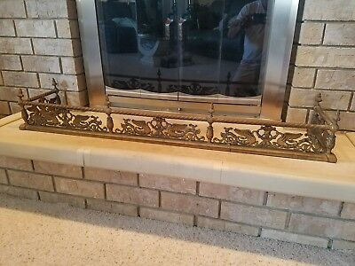 Vintage Old ANTIQUE Detailed Brass Fire Place Rail Surround Fender with Swans