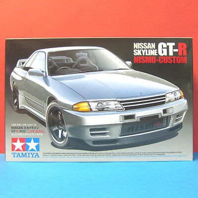 Tamiya 1/24 Nissan Skyline GT-R R32 (BNR32) [Nismo-Custom] model kit #24341