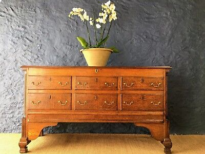 Antique Oak Bedding Chest (Early 19th century)