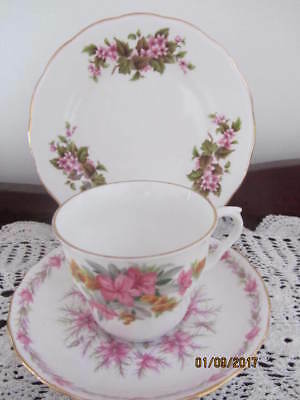 Mixed Vintage - ''pink Floral'' - Cup / Saucer / Plate Trio