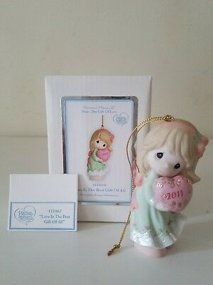 "Precious Moment Ornament ""Love Is The Best Gift Of All"" 111002 MIB"
