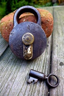 Antique Padlock with one key F.Sengpiel working order Made in Germany No.4 03-02