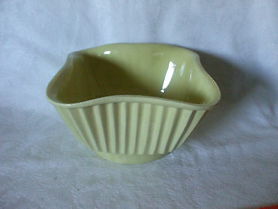American Bisque Pottery Yellow #4001 USA Planter/Flower Bowl/Pot