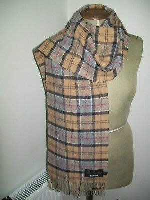 Barbour. Ladies / Gents Soft & Toasty Classic Check Design Vintage Wool Scarf