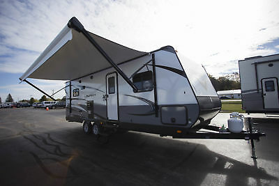 Intro Sale New 2018  Launch Outfitter 24Rls Travel Trailer Rear Living Camper Rv