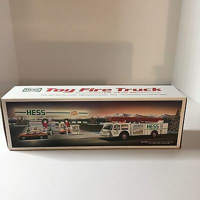 NEW 1989 HESS Toy Fire Truck Coin Bank with Dual Sound Siren