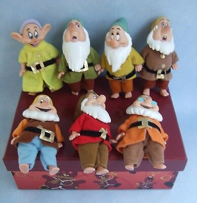 Simba 7 Dwarves 4.5 inch Figures in used but good condition ~ please see details