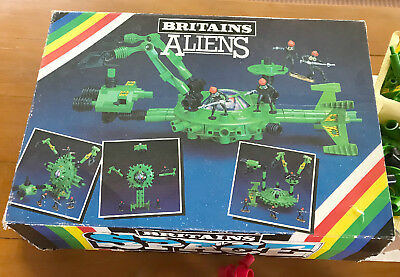 Britains Alien and Starguard sets, some damaged, spare parts?