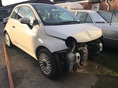 2009 59 FIAT 500 1.2 LOUNGE 3D 69 BHP WHITE Damaged Repairable Salvage