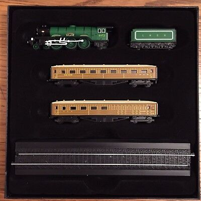 Minitrains Flying Scotsman model train Z gauge. Brand New in box + 2 Carriages