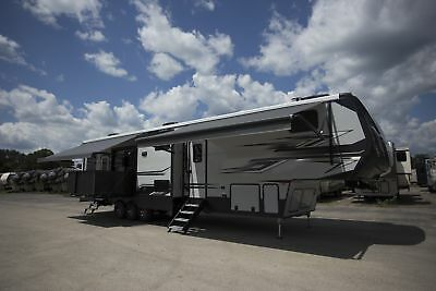 Wholesale Price on New Raptor 428SP Toy Hauler w/ Extreme Weather Pkg for Sale
