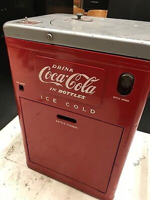 Vendo model A23A5 Coke/Coca Cola Spin Top Vending Machine