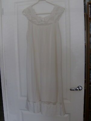 Long Vintage White Lacy Nightdress - @ Size 12-14 (No Label As Has Been Cut Out)
