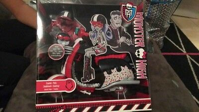 BNIB Monster High Scooter Ghoulia Yelps