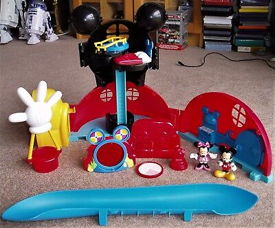 Disney Mickey Mouse Clubhouse Playset with Mickey, Minnie And Accessories