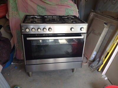 Euromaid 900cm natural gas oven and cooktop