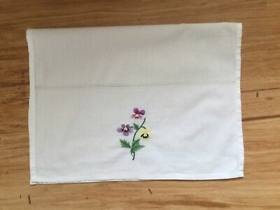 Vintage embroidered Guest / hand towel - Pansies